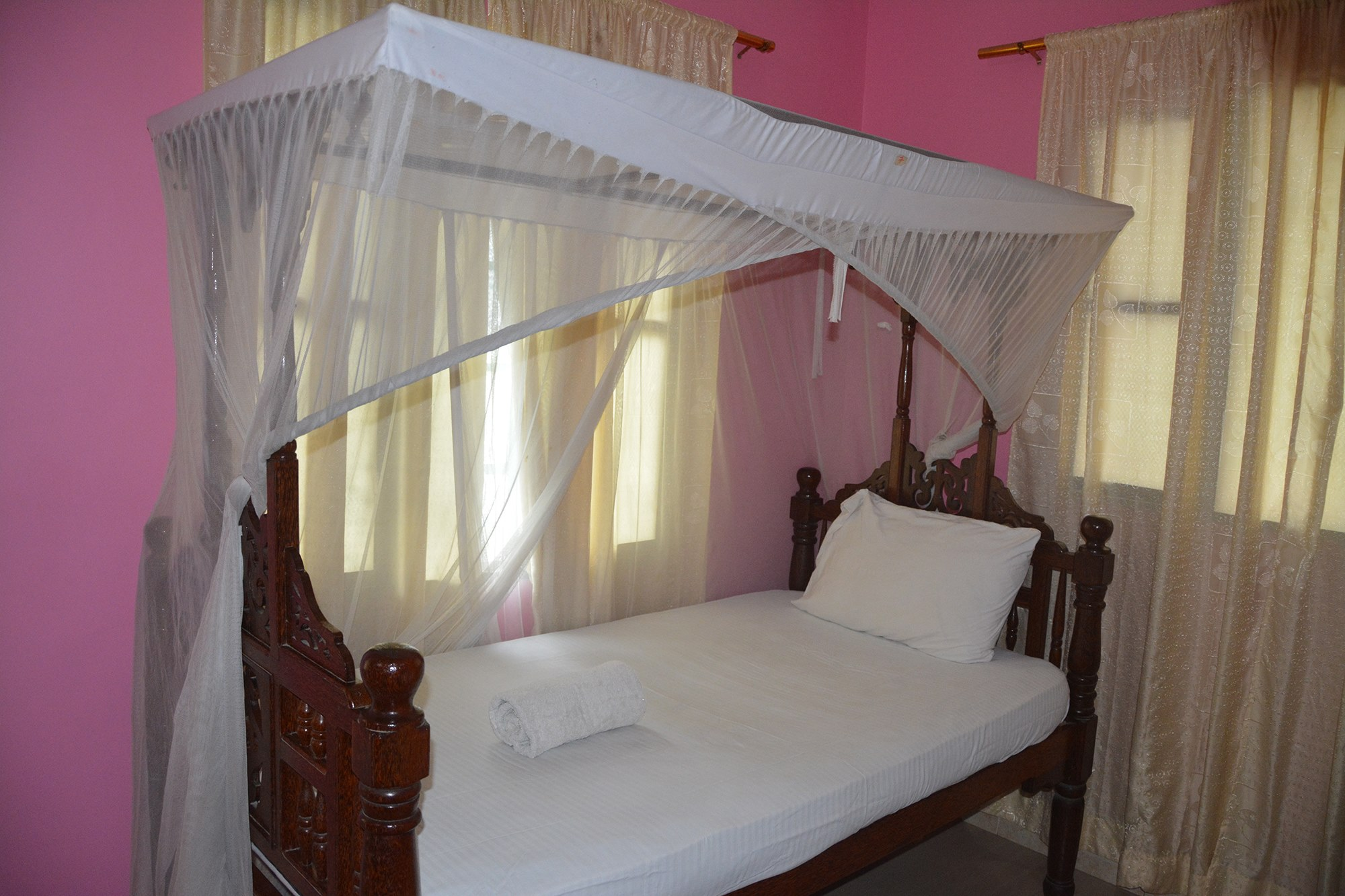 Single Rooms | Jambo Guest House