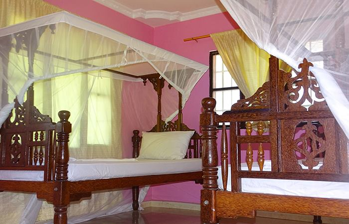 Twin Rooms | Jambo Guest House