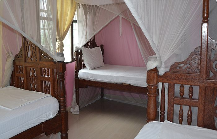 Triple Rooms | Jambo Guest House