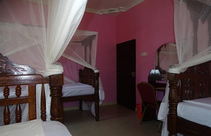 Triple Room | Jambo Guest House
